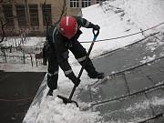Уборка снега с крыш в Астане Нур-Султан (Астана)